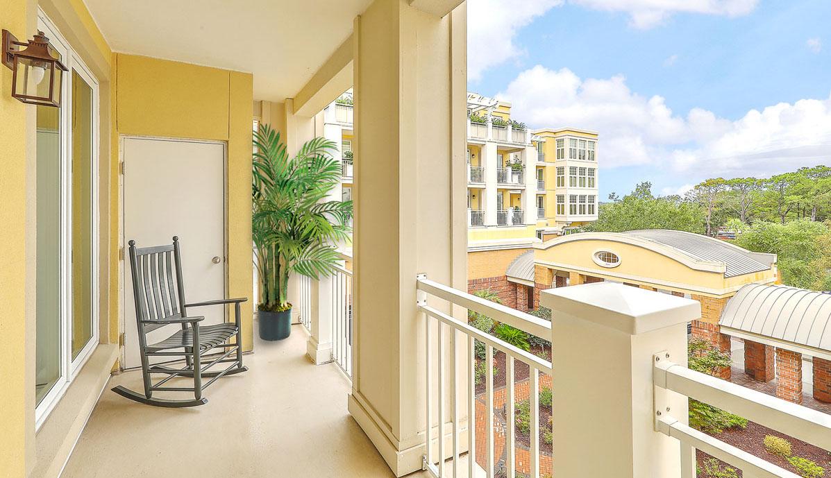 3010 Old Bridgeview Lane, The Bristol balcony