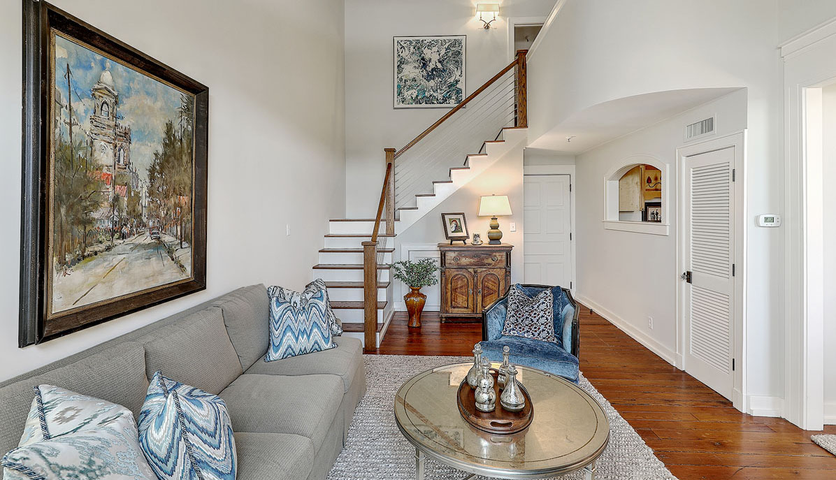 67 Legare Street 403, Crafts House living room