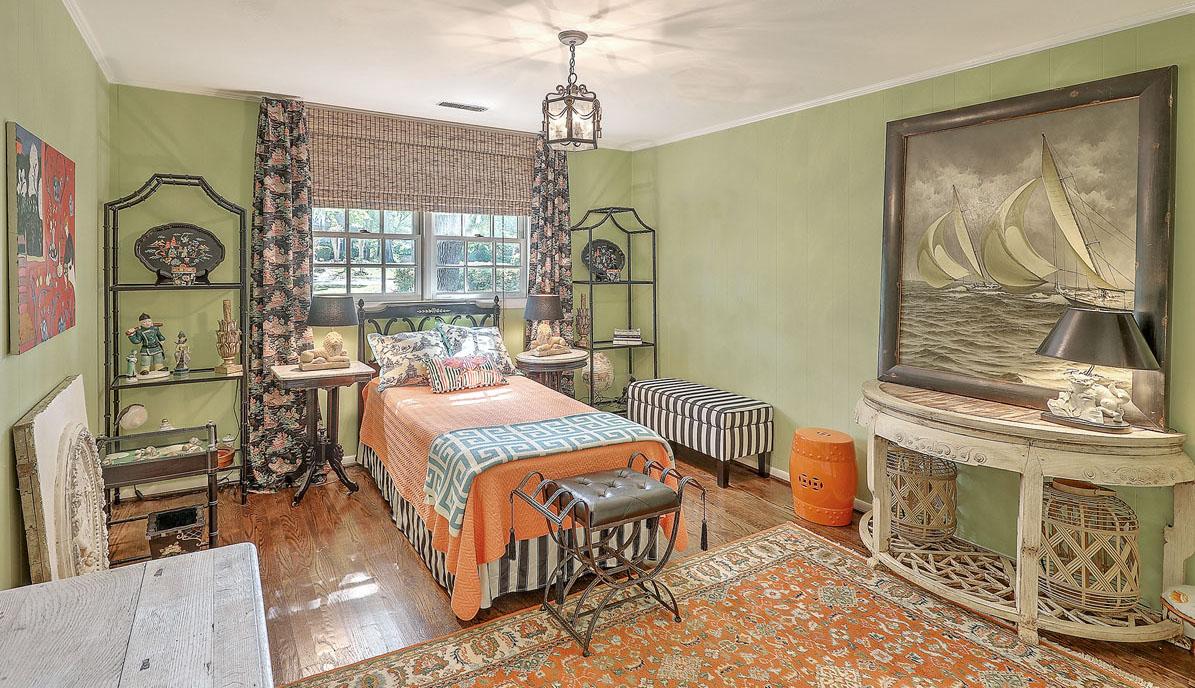 307 Confederate Circle bedroom 3