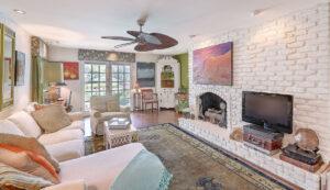 307 Confederate Circle family room
