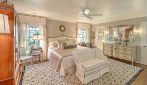307 Confederate Circle master bedroom