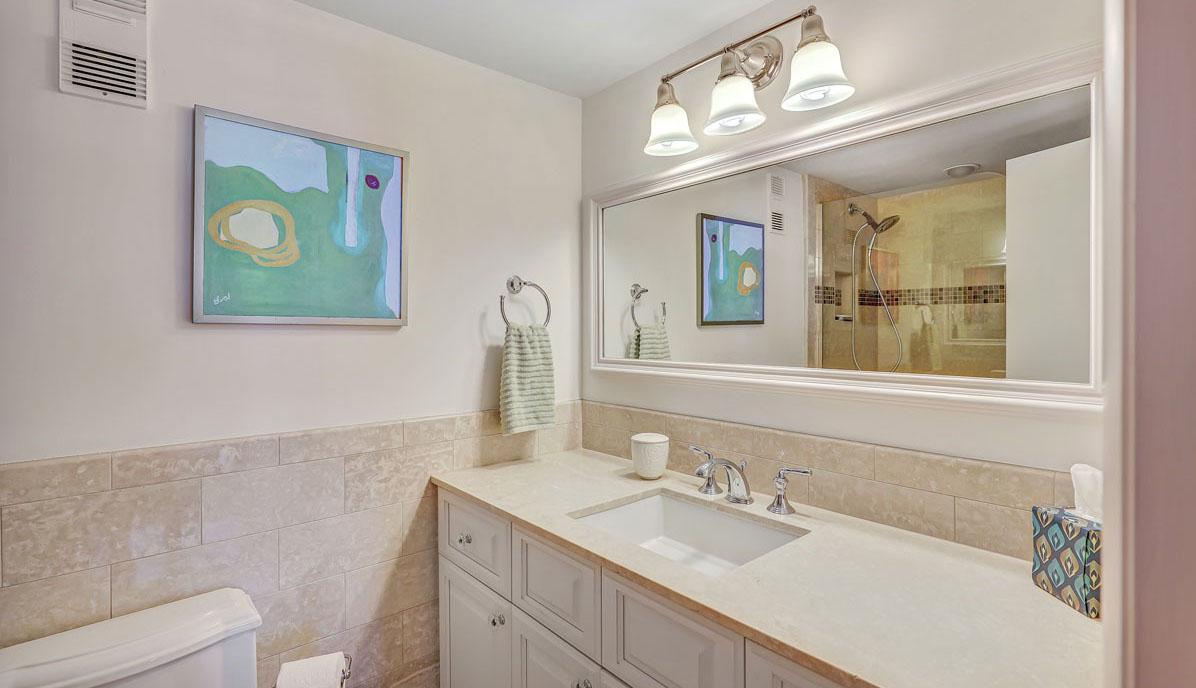 330 Concord Street 10FG, Dockside bathroom 2