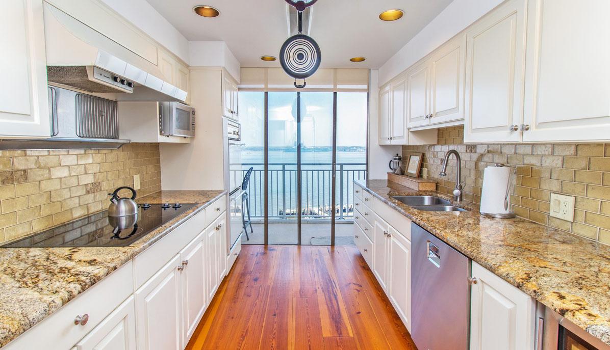 330 Concord Street 10FG, Dockside kitchen