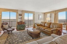 330 Concord Street 10FG, Dockside living room
